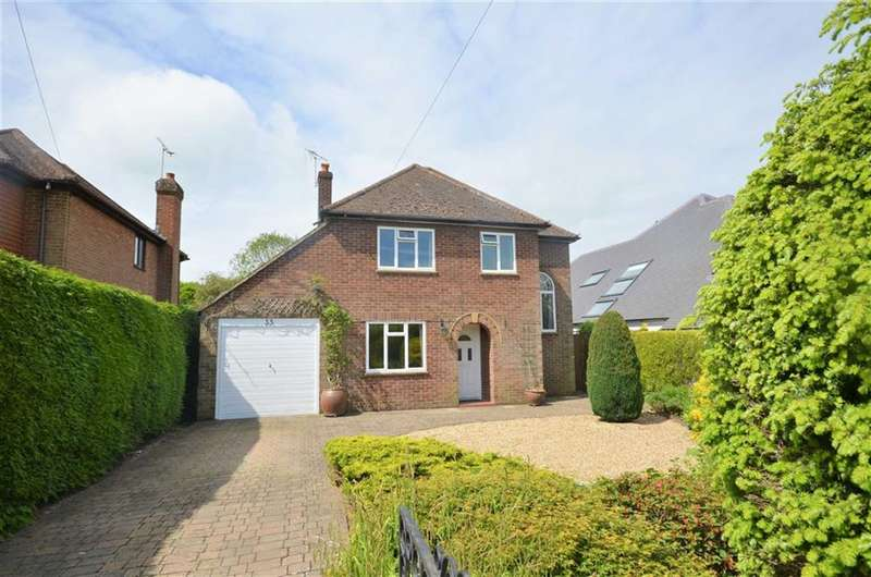 3 Bedrooms Property for sale in Shortheath Crest, Farnham