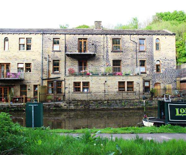 2 Bedrooms Apartment Flat for sale in The Old Brewery, Burnley Road, Halifax