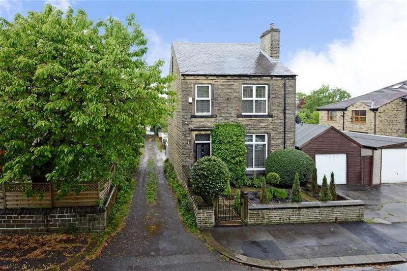 4 Bedrooms Detached House for sale in Forrest Avenue, Marsh, Huddersfield, HD1