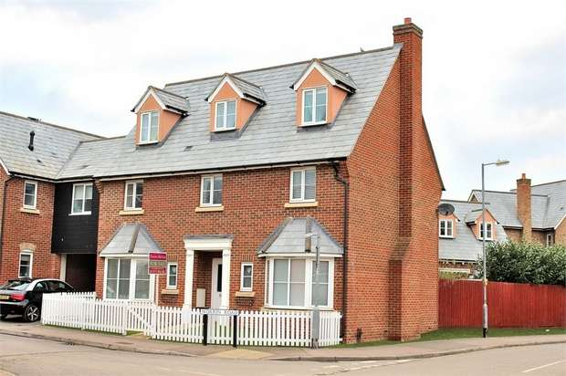 5 Bedrooms Link Detached House for sale in Dunmow, Essex