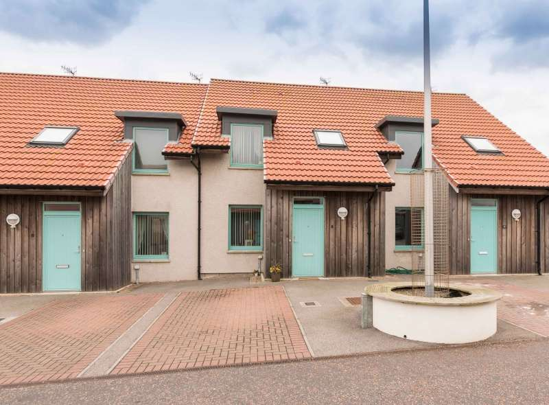 3 Bedrooms Terraced House for sale in Murison Place, Fraserburgh, Aberdeenshire, AB43 9DG
