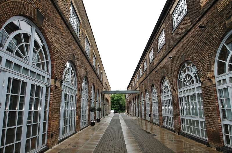 1 Bedroom Flat for sale in The Railstore, GIDEA PARK