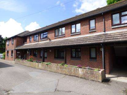 1 Bedroom Retirement Property for sale in Hayling Island, Hampshire