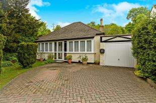3 Bedrooms Bungalow for sale in Godstone Road, Whyteleafe, Surrey, .