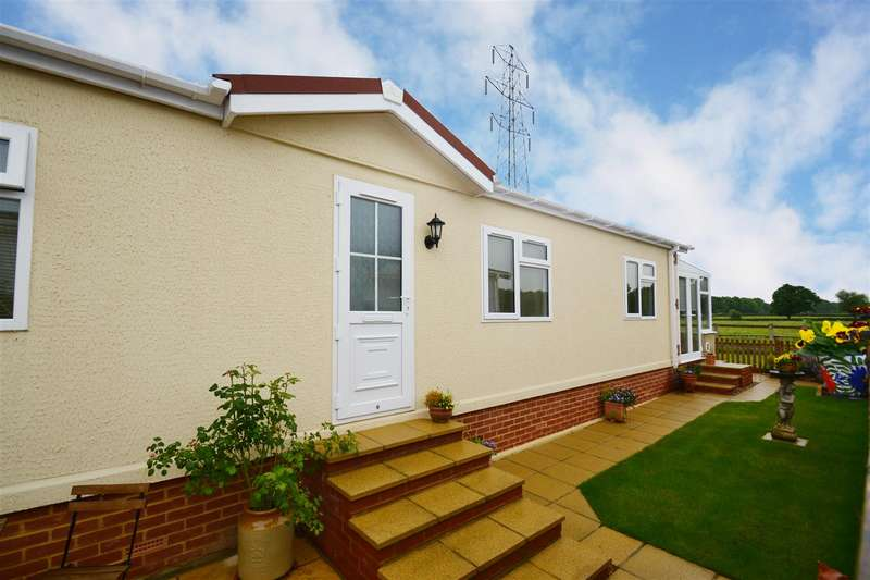 1 Bedroom Property for sale in Bonehurst Road, Horley