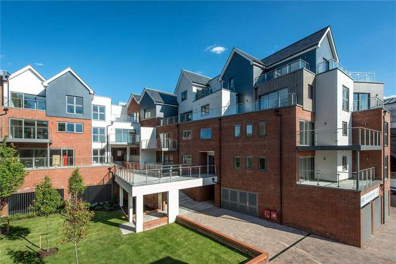 2 Bedrooms Penthouse Flat for sale in Bridgewater Lodge, Bridgewater Terrace, Windsor, Berkshire, SL4