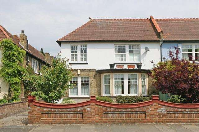 1 Bedroom Flat for sale in MITCHAM PARK, MITCHAM