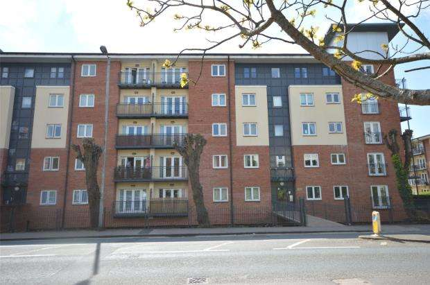 2 Bedrooms Flat for sale in Julius House, New North Road, Exeter