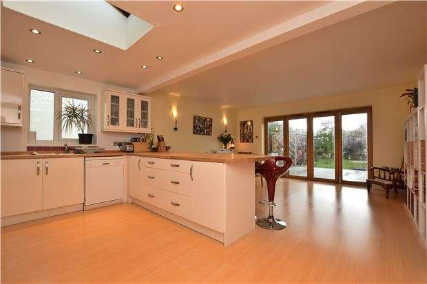 3 Bedrooms End Of Terrace House for sale in Campbell Road, OXFORD, OX4 3NS