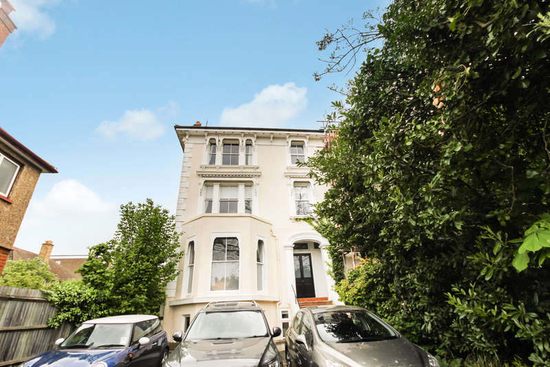 2 Bedrooms Ground Flat for sale in Surbiton