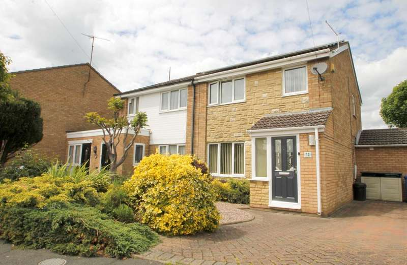 3 Bedrooms Semi Detached House for sale in Ashby Drive, Rushden