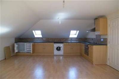 2 Bedrooms Flat for rent in Thorburn Road, New Ferry