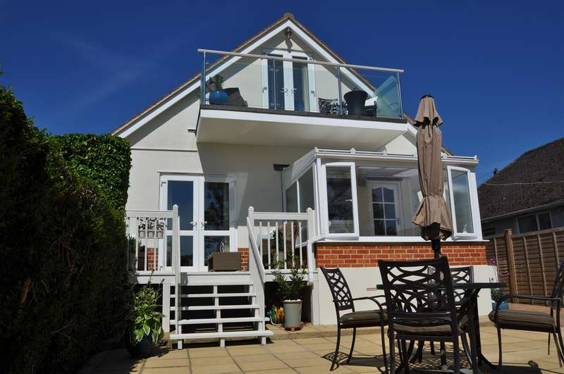 4 Bedrooms Detached House for sale in Hamworthy Peninsular