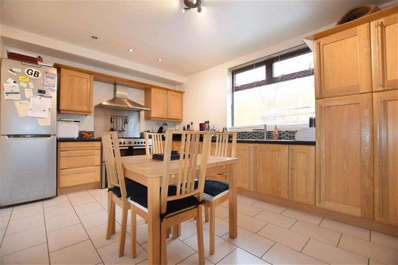 3 Bedrooms Semi Detached House for sale in Marsden Road, Stocksbridge, Sheffield, S36