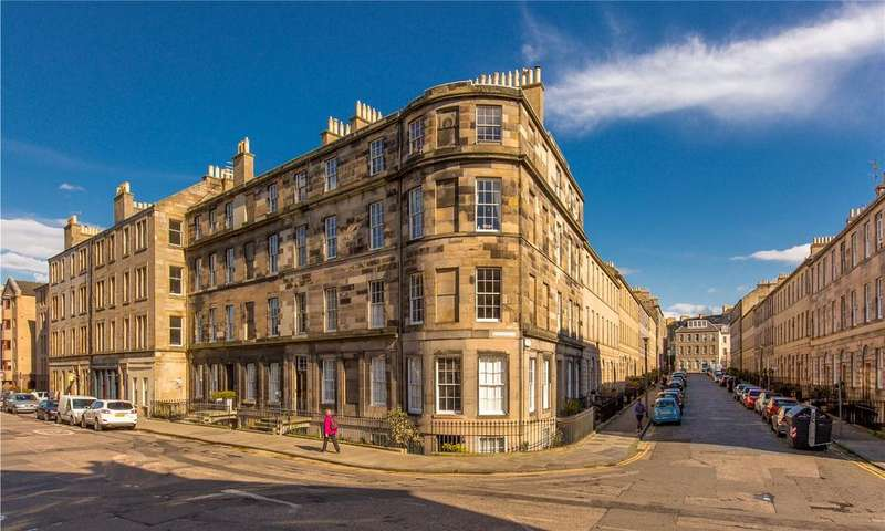 3 Bedrooms Flat for sale in 115/6 Henderson Row, New Town, Edinburgh, EH3