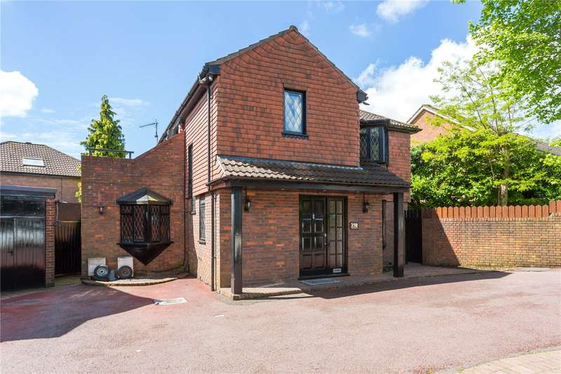 4 Bedrooms Detached House for sale in Gordon Avenue, Stanmore, HA7