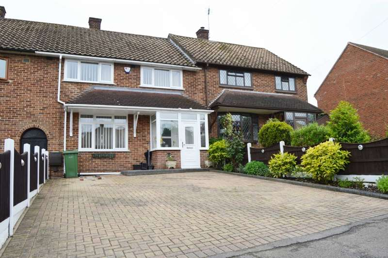 3 Bedrooms Terraced House for sale in Oakley Drive, Harold Hill
