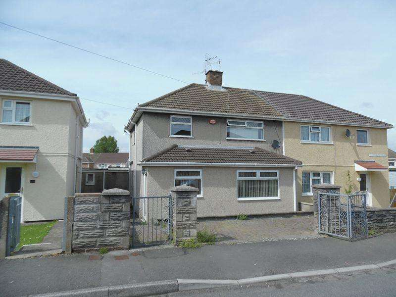 3 Bedrooms Semi Detached House for sale in Heol Y Berllan Pyle Bridgend CF33 6LE
