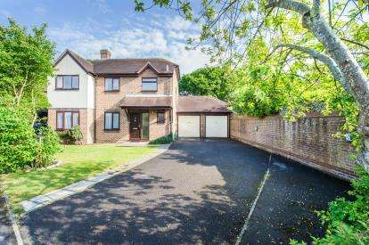 4 Bedrooms Detached House for sale in Park Gate