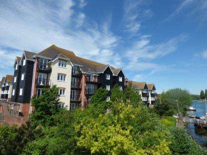2 Bedrooms Flat for sale in St. Denys, Southampton