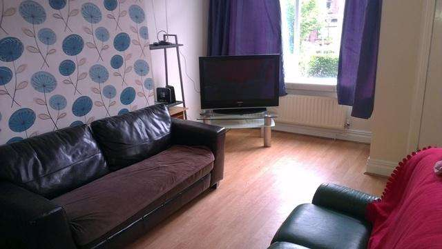 4 Bedrooms Terraced House for rent in Talbot Mount, Leeds LS4