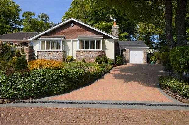 3 Bedrooms Detached Bungalow for sale in Seymour Drive, Watcombe Park, Torquay, Devon. TQ2 8PY