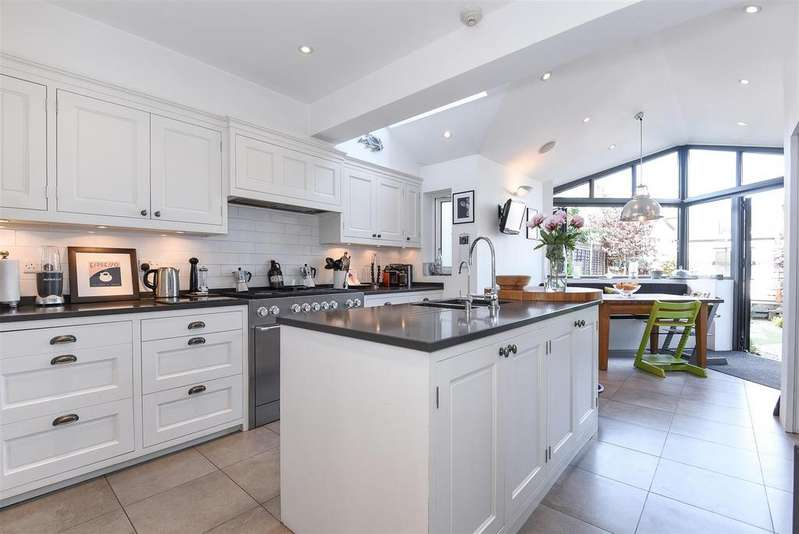 4 Bedrooms Terraced House for sale in Ripley Gardens, Mortlake