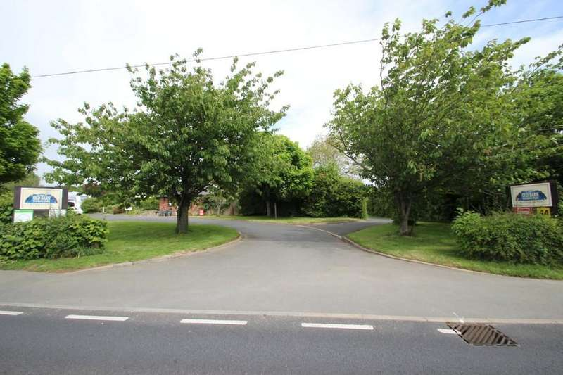 3 Bedrooms Detached House for sale in The Old Barn Touring Park