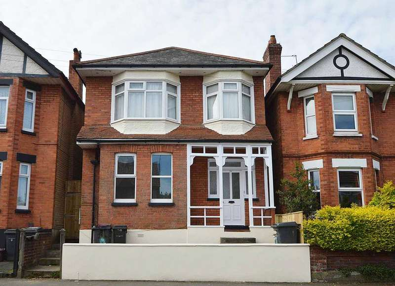 2 Bedrooms Ground Flat for sale in Green Road, Bournemouth, BH9