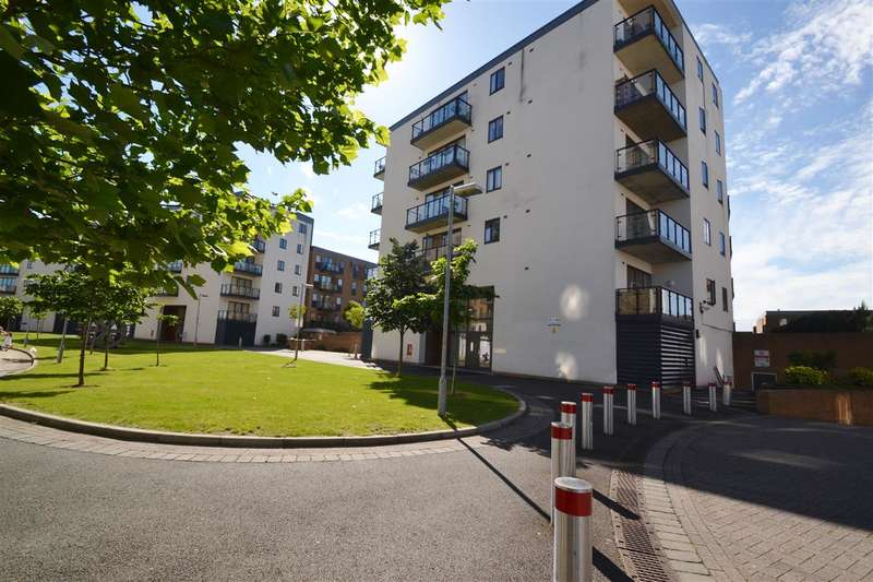 2 Bedrooms Apartment Flat for sale in Lawrie House, Wimbledon