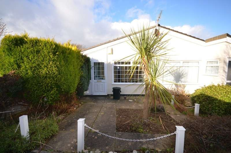 2 Bedrooms Terraced Bungalow for sale in Gover Close, Mount Hawke, Cornwall