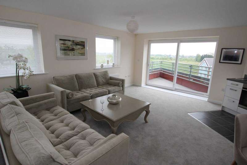 2 Bedrooms Flat for sale in Abingdon Court, Weavers Close, BN21 2BA