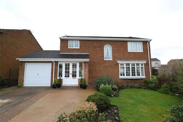 4 Bedrooms Detached House for sale in Newfield Drive, Carlisle, Cumbria, CA3 0AF