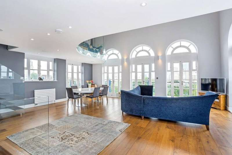 2 Bedrooms Flat for sale in Imperial House, 9 Victory Place, Canary Wharf, London, E14