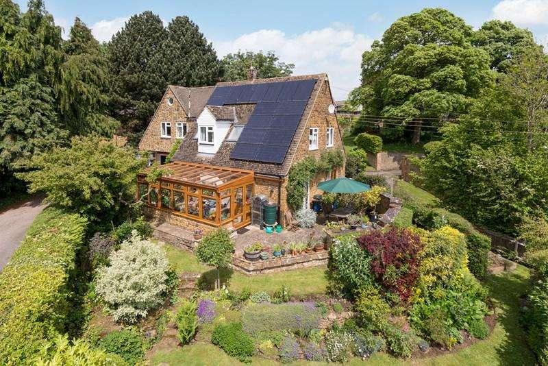 5 Bedrooms Detached House for sale in Church Lane, Mollington, Banbury