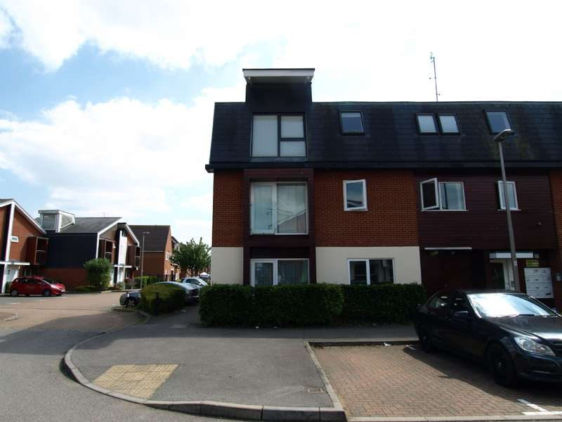 1 Bedroom Flat for sale in Addenbrooks Road, Newport Pagnell, Buckinghamshire