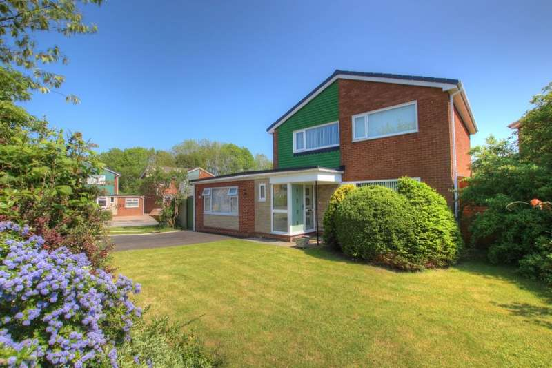 4 Bedrooms Detached House for sale in Cheveley Walk, Durham, DH1