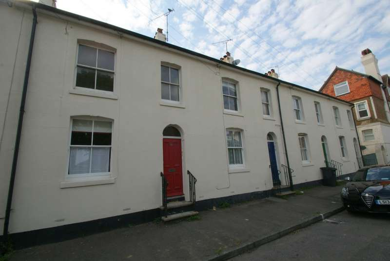 2 Bedrooms Flat for sale in Liverpool Road, Walmer, CT14