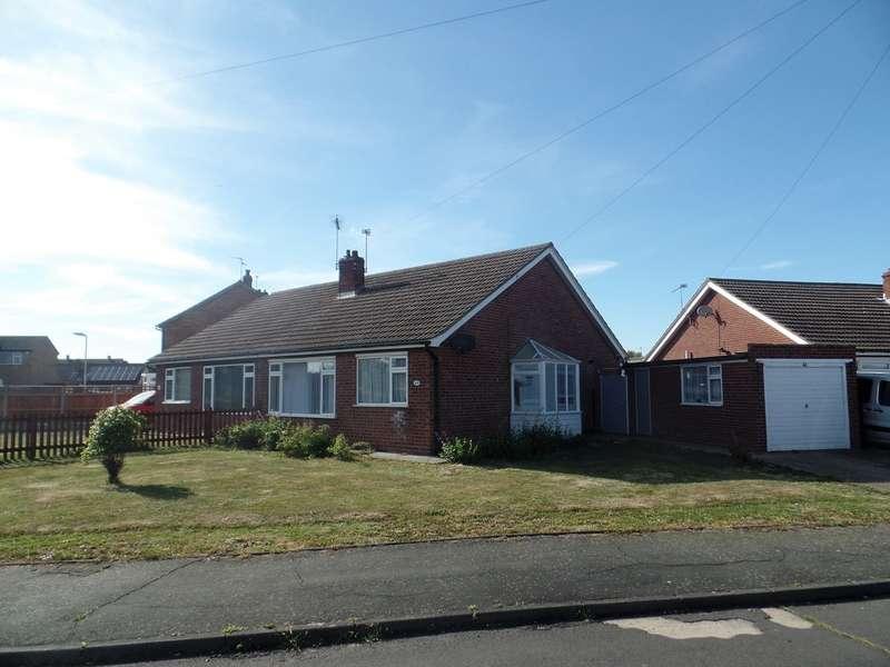 2 Bedrooms Semi Detached Bungalow for sale in Sandown Close, Great Clacton