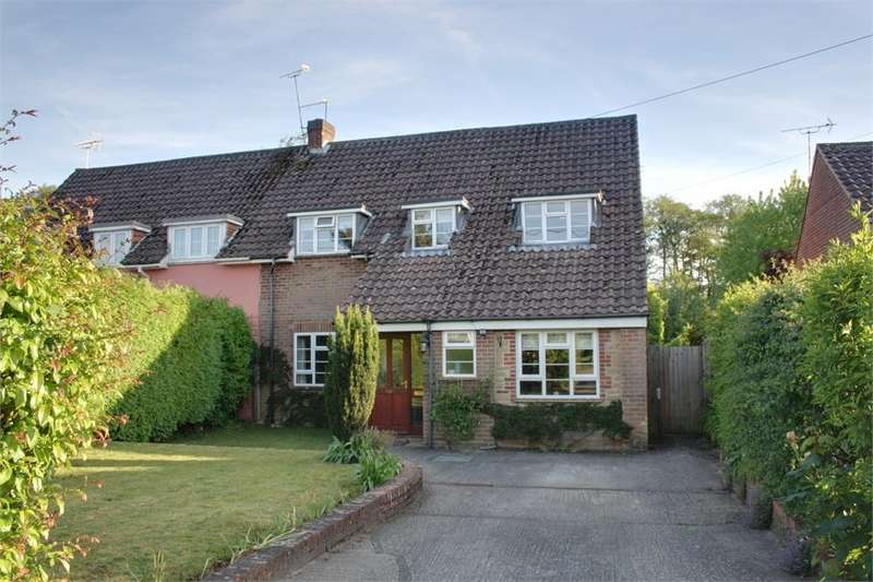 3 Bedrooms Semi Detached House for sale in Liphook Road, Lindford, Bordon, Hampshire