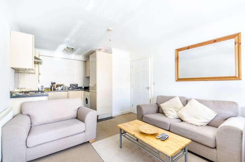 1 Bedroom Flat for sale in Ravenscroft Road, Beckenham, BR3