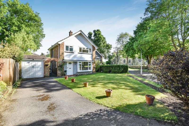 3 Bedrooms Detached House for sale in Vicarage Close, Aylesford
