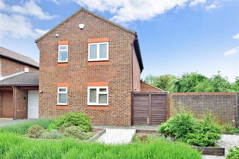 4 Bedrooms Detached House for sale in Clementine Close, Herne Bay, Kent
