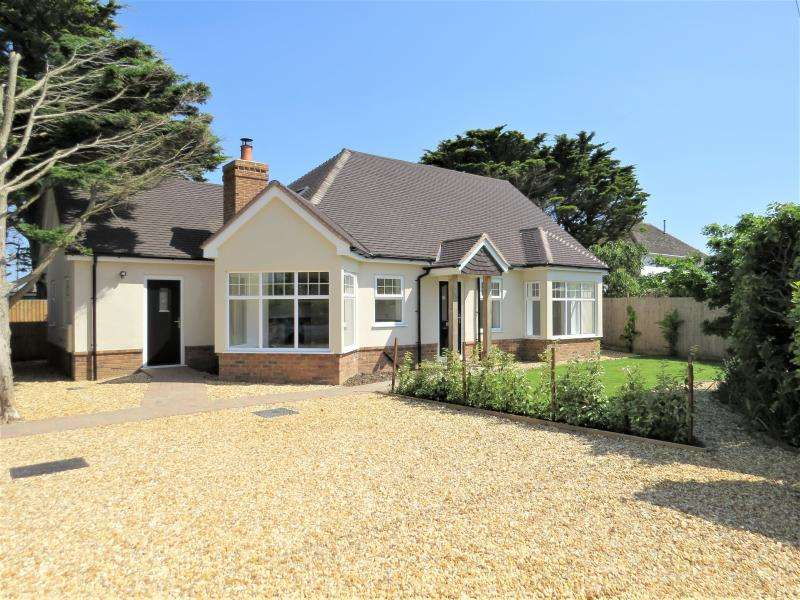3 Bedrooms Detached House for sale in New Cliff-Top Chalet