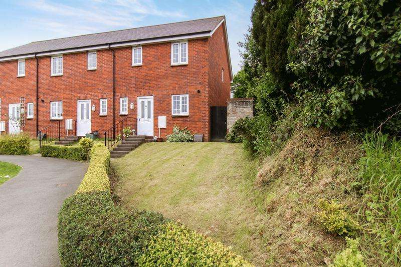 3 Bedrooms Terraced House for sale in Crediton Road, Okehampton