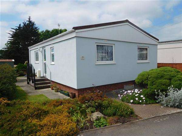 2 Bedrooms Detached House for sale in Third Avenue, Newport Park, Exeter