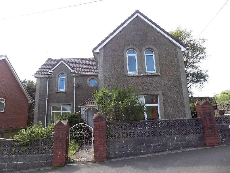 4 Bedrooms Detached House for sale in Pen-y-bryn Road, Brynmenyn, Bridgend. CF32 9HT