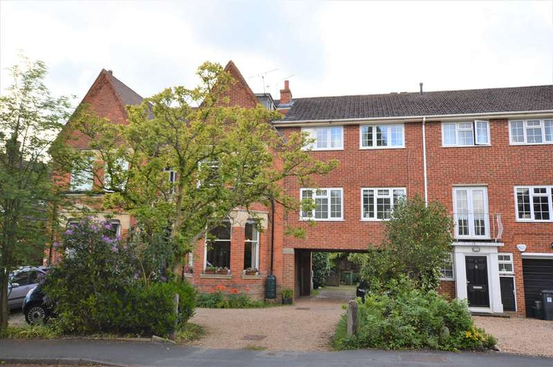1 Bedroom Apartment Flat for sale in Woking, Surrey