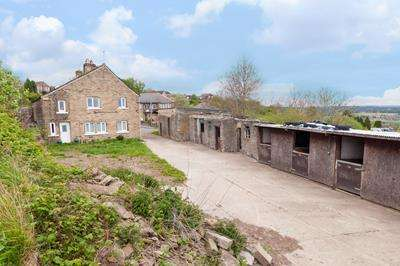 3 Bedrooms Detached House for sale in Bank End Farm, 33 Bank End Lane, HUDDERSFIELD, West YOrkshire, HD5 8ES