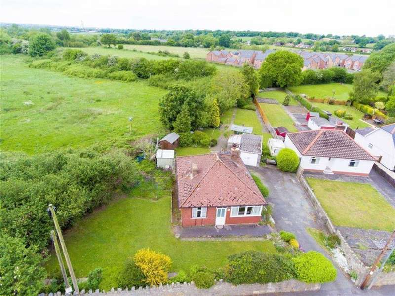 3 Bedrooms Detached Bungalow for sale in Fagl Lane, Hope, Wrexham